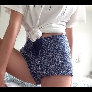 Girls shorts with floral pattern 🥀